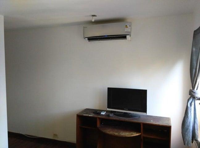 Apartamento Vargas>Parroquia Caraballeda>Tanaguarena - Venta:15.000 Precio Referencial - codigo: 18-8658