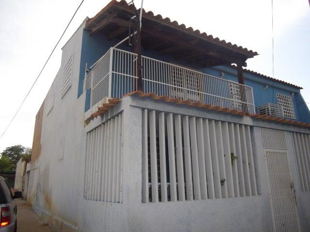 Casa Zulia>Maracaibo>Pomona - Venta:11.000 US Dollar - codigo: 18-6964