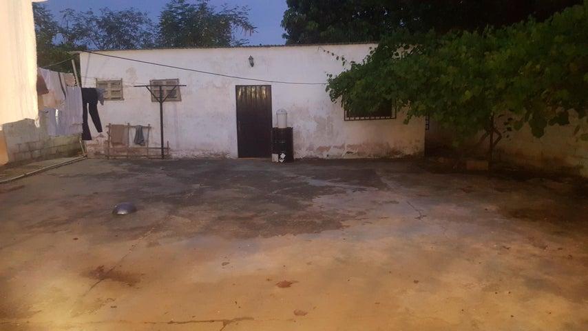 Casa Zulia>Cabimas>Cumana - Venta:15.000 Precio Referencial - codigo: 18-6904