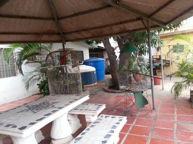 Terreno Zulia>Municipio San Francisco>La Coromoto - Venta:25.000 Precio Referencial - codigo: 18-6941