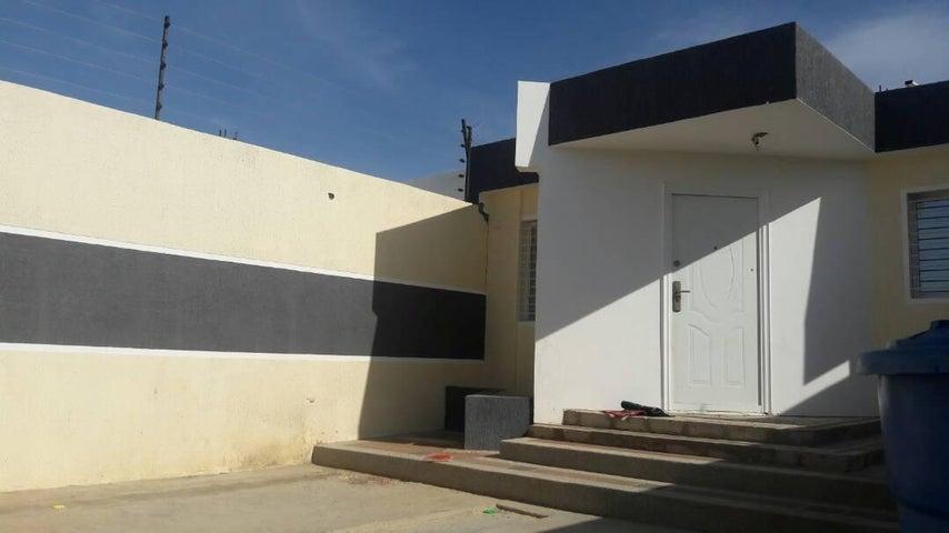 Casa Falcon>Punto Fijo>Puerta Maraven - Venta:18.000 US Dollar - codigo: 18-7108
