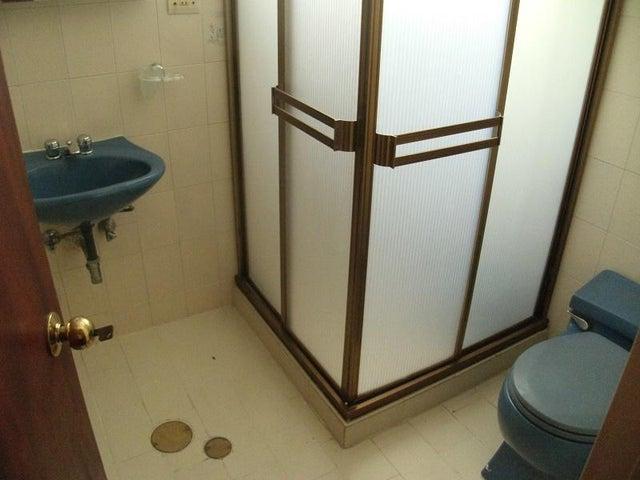 Apartamento Distrito Metropolitano>Caracas>Terrazas del Avila - Venta:167.495.000.000 Precio Referencial - codigo: 18-6411