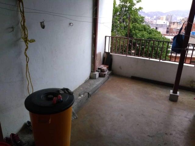 Casa Distrito Metropolitano>Caracas>Alta Vista - Venta:30.000 Precio Referencial - codigo: 18-7145