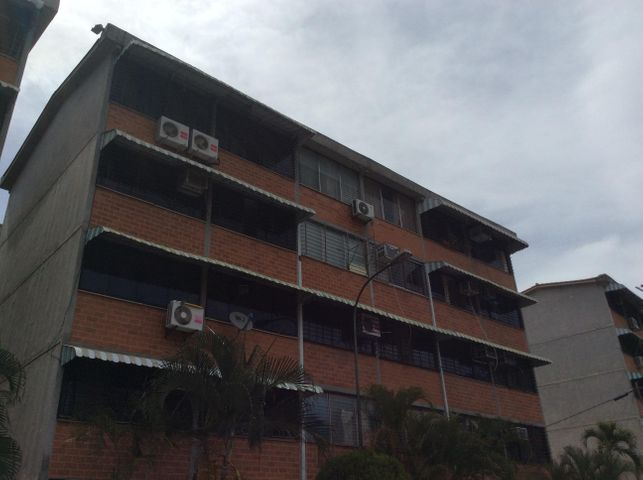 Apartamento Miranda>Guarenas>Ciudad Casarapa - Venta:10.000 Precio Referencial - codigo: 18-7229