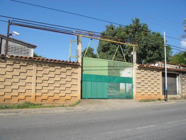 Local Comercial Lara>Cabudare>Parroquia Agua Viva - Venta:14.445.000 Precio Referencial - codigo: 18-7249