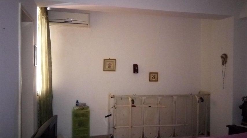 Apartamento Lara>Barquisimeto>Parque Las Trinitarias - Alquiler:200 Precio Referencial - codigo: 18-7280