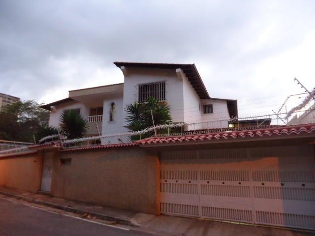 Casa Distrito Metropolitano>Caracas>Colinas de Santa Monica - Venta:370.000 Precio Referencial - codigo: 18-7301