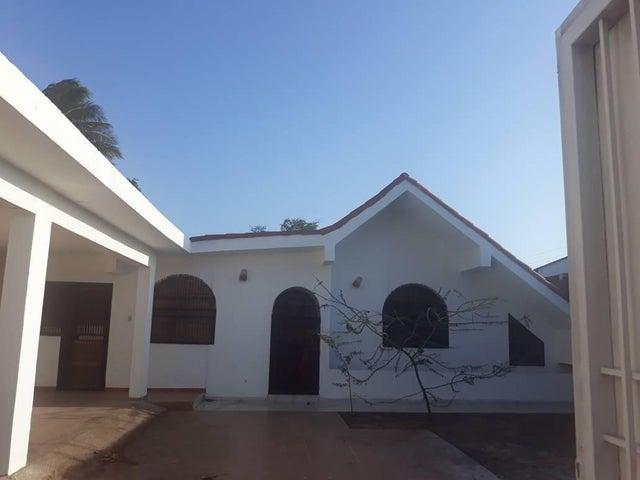Local Comercial Falcon>Punto Fijo>Santa Irene - Alquiler:434.000.000 Precio Referencial - codigo: 18-7266