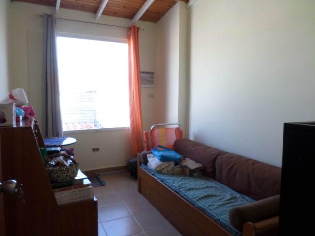 Casa Lara>Cabudare>Parroquia Jose Gregorio - Venta:24.000 US Dollar - codigo: 18-7374