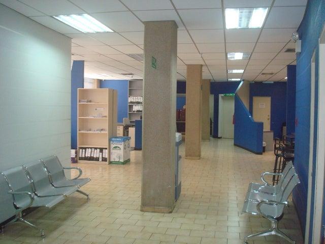 Local Comercial Distrito Metropolitano>Caracas>Los Ruices - Venta:450.000 Precio Referencial - codigo: 18-7478