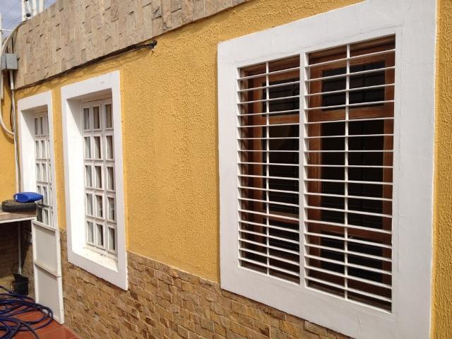 Casa Zulia>Maracaibo>La Picola - Venta:85.392.000.000 Precio Referencial - codigo: 18-7563