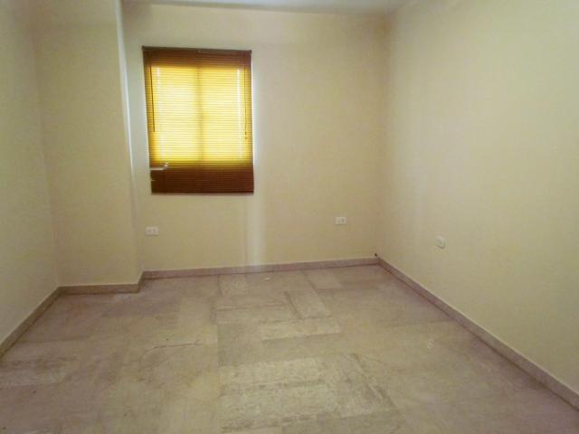 Townhouse Zulia>Maracaibo>Avenida Goajira - Venta:7.283.000 Precio Referencial - codigo: 18-7565