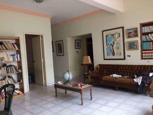 Casa Distrito Metropolitano>Caracas>La Paz - Venta:669.979.000.000 Precio Referencial - codigo: 18-7626
