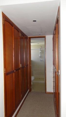 Apartamento Distrito Metropolitano>Caracas>La Castellana - Venta:20.943.000 Precio Referencial - codigo: 18-7591