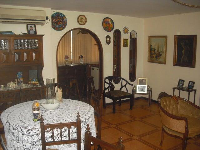 Apartamento Distrito Metropolitano>Caracas>La California Norte - Venta:223.326.000.000 Precio Referencial - codigo: 18-7639