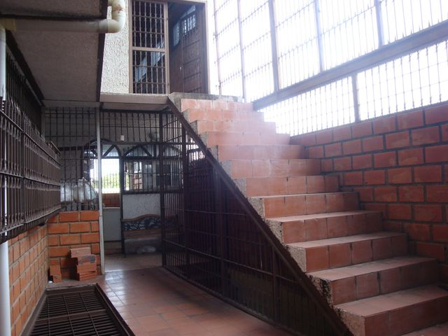Local Comercial Aragua>Maracay>Santa Rosa - Venta:1.060.800.000.000 Precio Referencial - codigo: 18-7635