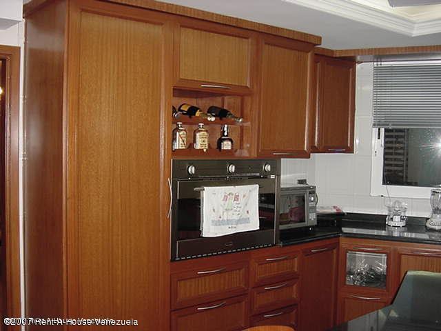 Apartamento Zulia>Maracaibo>Avenida El Milagro - Venta:54.082.000 Precio Referencial - codigo: 18-7624