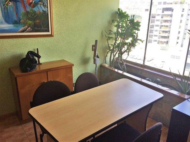 Consultorio Medico  Distrito Metropolitano>Caracas>Los Rosales - Venta:2.308.000 Precio Referencial - codigo: 18-7637