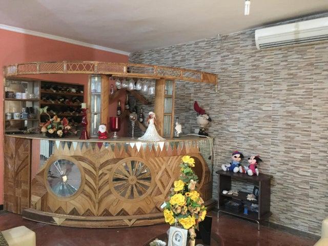 Casa Falcon>Punto Fijo>Caja de Agua - Venta:16.000 Precio Referencial - codigo: 18-7640
