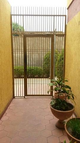Apartamento Zulia>Maracaibo>La Limpia - Venta:22.333.000.000 Precio Referencial - codigo: 18-7641