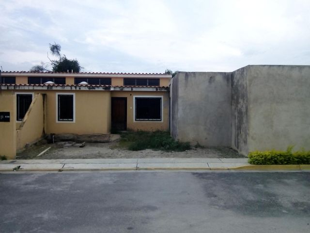 Casa Lara>Cabudare>Parroquia Jose Gregorio - Venta:40.943.000.000 Precio Referencial - codigo: 18-7647