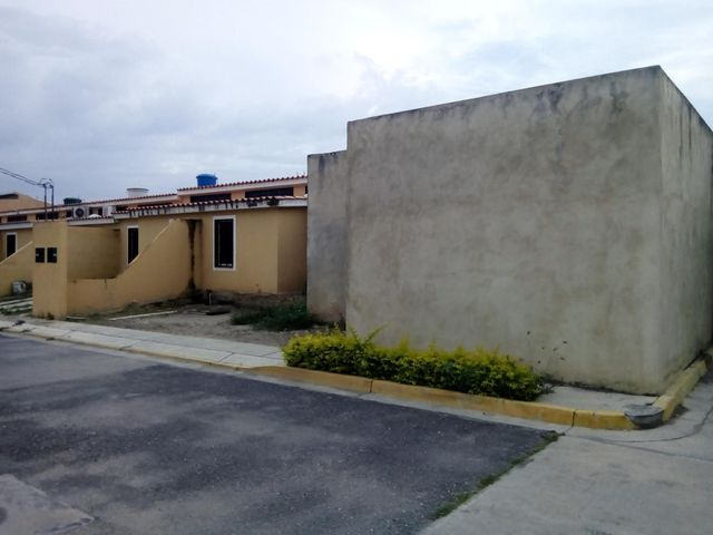 Casa Lara>Cabudare>Parroquia Jose Gregorio - Venta:931.000 Precio Referencial - codigo: 18-7647