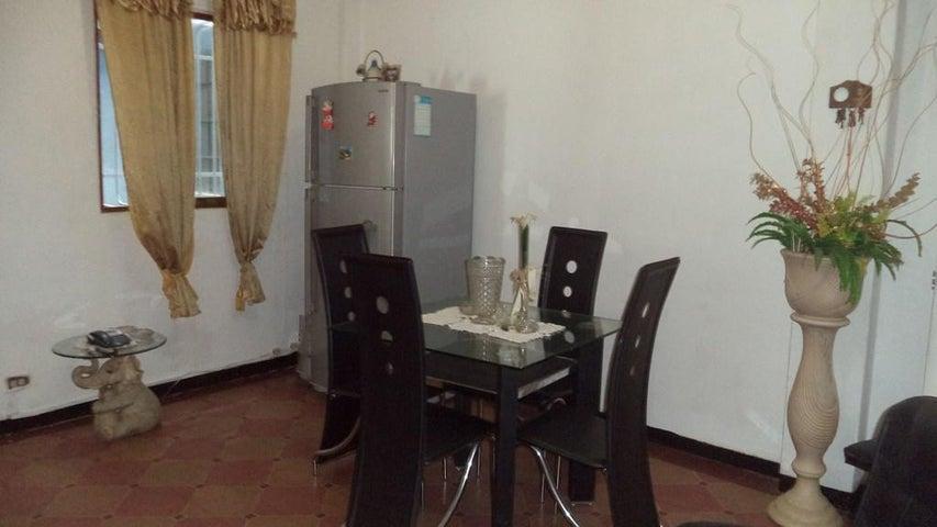 Apartamento Distrito Metropolitano>Caracas>Puente Hierro - Venta:15.750 US Dollar - codigo: 18-7677
