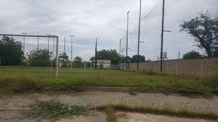 Terreno Zulia>Ciudad Ojeda>Intercomunal - Venta:380.082.000.000 Precio Referencial - codigo: 16-172