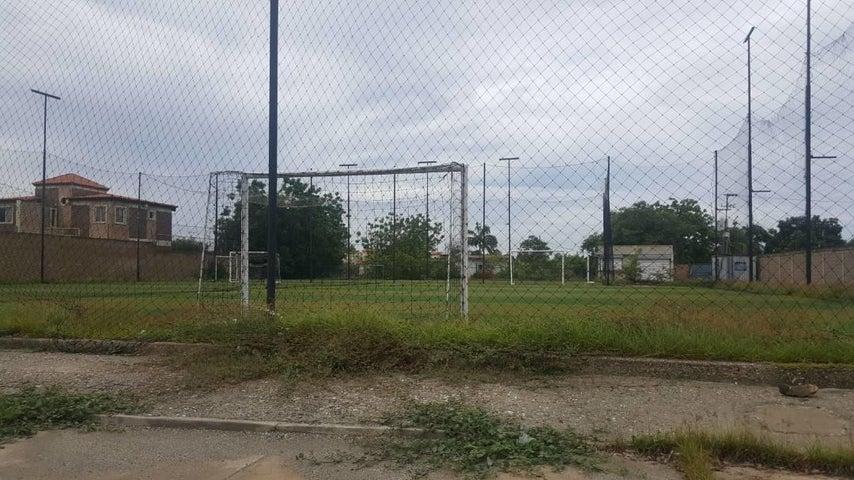 Terreno Zulia>Ciudad Ojeda>Intercomunal - Venta:14.285.000 Precio Referencial - codigo: 16-172