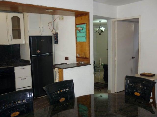 Apartamento Aragua>Maracay>Los Caobos - Venta:15.000 US Dollar - codigo: 18-7942