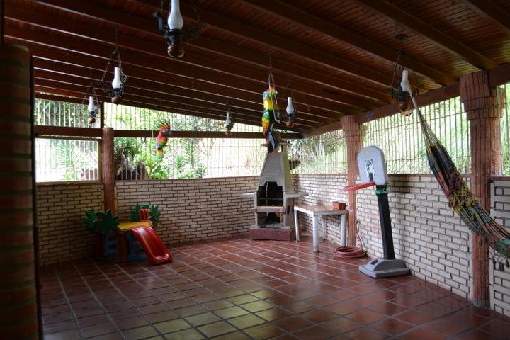 Casa Miranda>Carrizal>Colinas de Carrizal - Venta:110.000 Precio Referencial - codigo: 18-8026