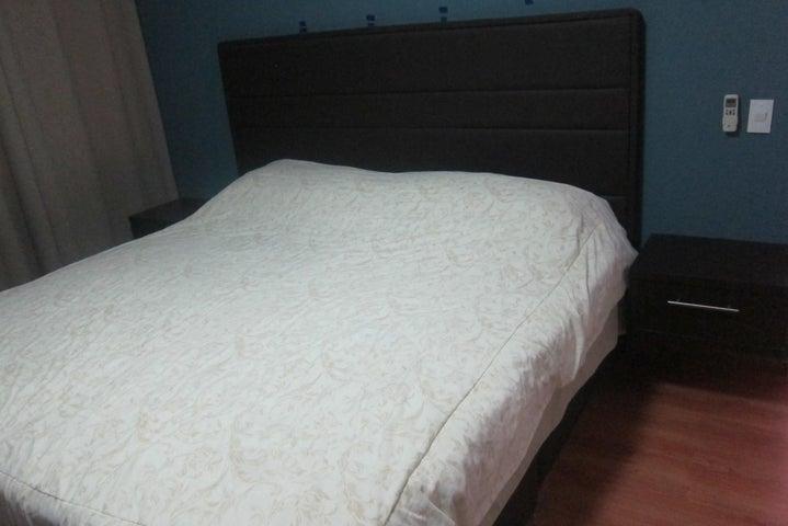 Apartamento Distrito Metropolitano>Caracas>Guaicay - Venta:98.000 Precio Referencial - codigo: 18-8394