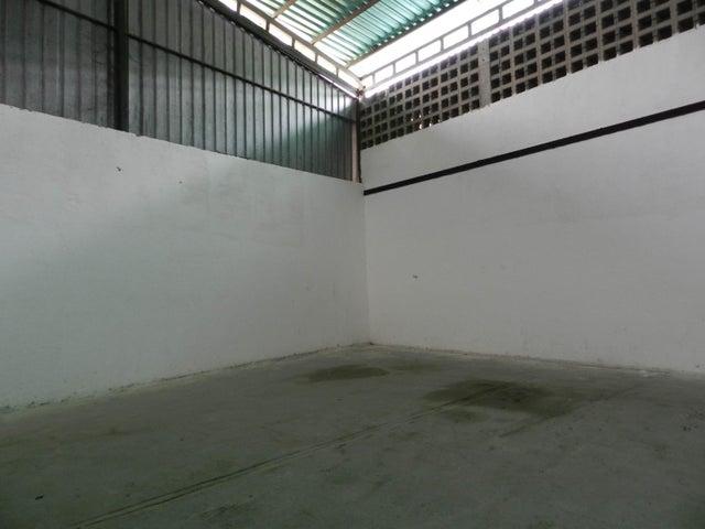 Galpon - Deposito Miranda>Guatire>Guatire - Venta:280.000 Precio Referencial - codigo: 18-8461