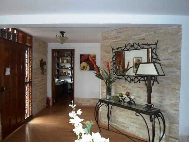 Casa Distrito Metropolitano>Caracas>La Boyera - Venta:250.000 Precio Referencial - codigo: 18-8527