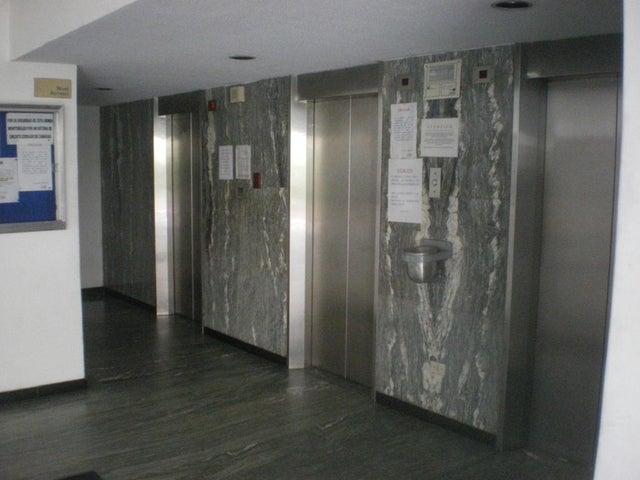 Apartamento Vargas>Parroquia Caraballeda>Palmar Este - Venta:50.000 Precio Referencial - codigo: 18-8533