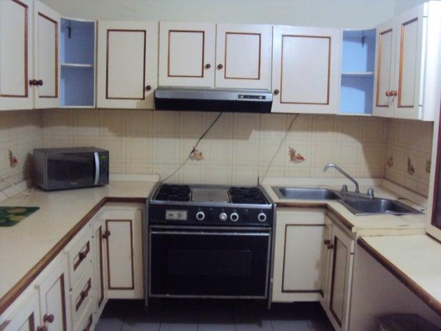 Apartamento Falcon>Coro>450 Años - Venta:8.500 Precio Referencial - codigo: 18-8656