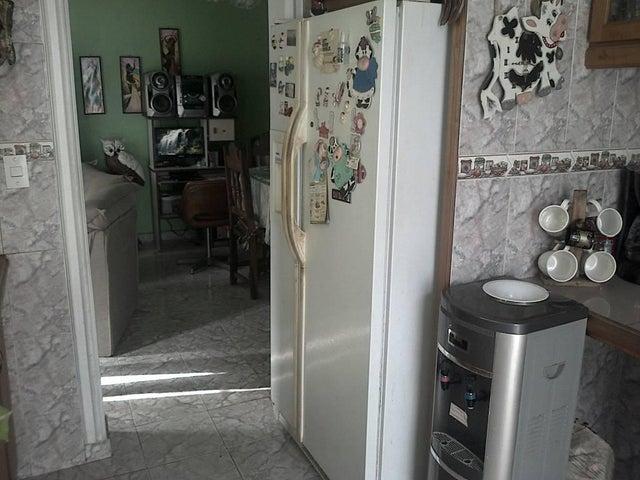 Casa Miranda>Charallave>Colinas de Betania - Venta:23.000 US Dollar - codigo: 18-8602