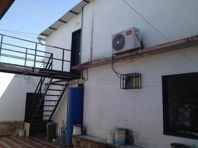 Casa Aragua>Maracay>San Jose - Venta:7.657.000 Precio Referencial - codigo: 18-8690