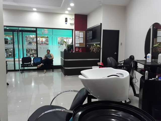 Local Comercial Zulia>Maracaibo>Fuerzas Armadas - Venta:30.000 Precio Referencial - codigo: 18-8629