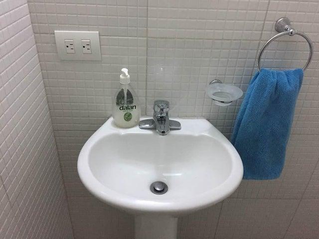 Apartamento Carabobo>Valencia>Agua Blanca - Venta:186.015.988.482.000.000 Precio Referencial - codigo: 18-8720