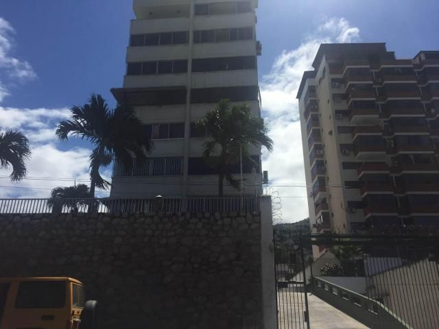 Apartamento Vargas>La Guaira>Macuto - Venta:144.793.000.000 Precio Referencial - codigo: 18-8660