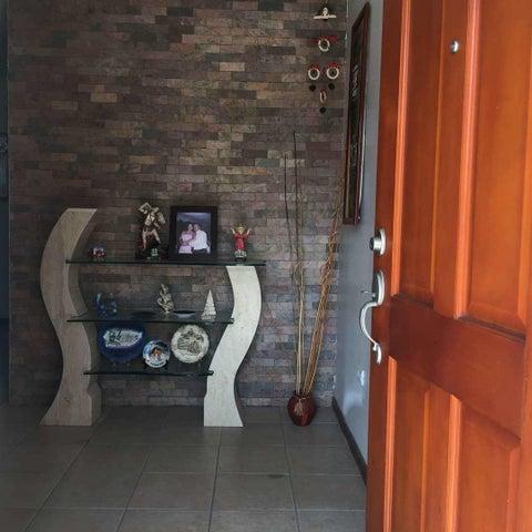 Casa Miranda>Guatire>El Ingenio - Venta:5.297.000 Precio Referencial - codigo: 18-8666