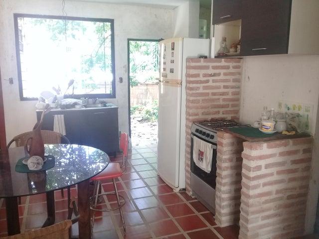 Casa Aragua>Maracay>Lomas de Palmarito - Venta:398.182.000.000 Precio Referencial - codigo: 18-8668