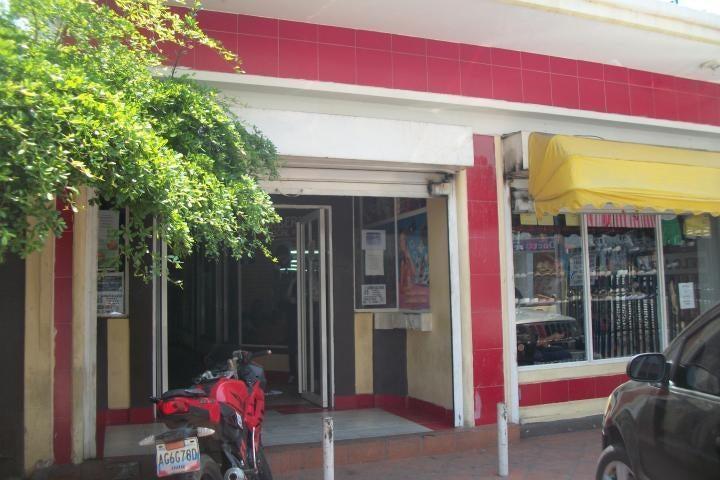 Local Comercial Zulia>Ciudad Ojeda>Centro - Venta:638.000 Precio Referencial - codigo: 18-8699