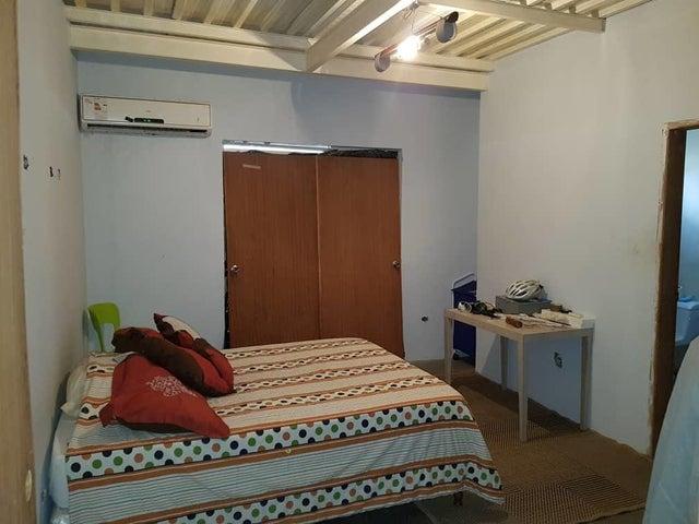 Casa Zulia>Maracaibo>Santa Rita - Venta:130.629.000 Precio Referencial - codigo: 18-8680