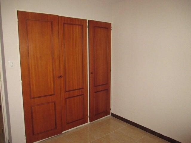 Apartamento Distrito Metropolitano>Caracas>Colinas de La Tahona - Alquiler:1.086.000.000 Precio Referencial - codigo: 18-8681