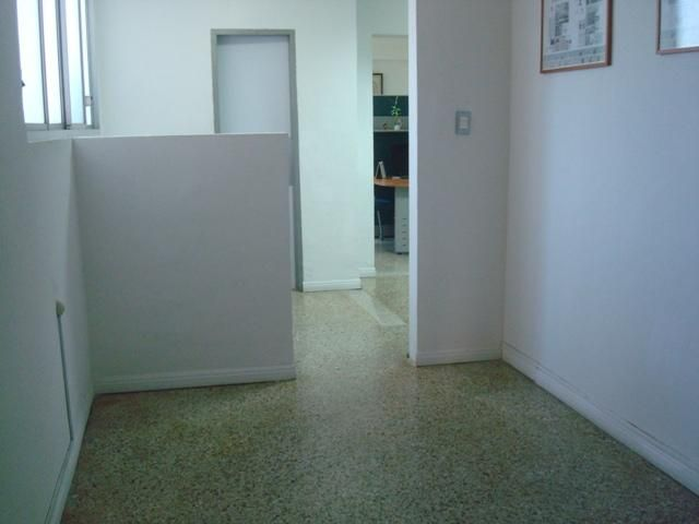 Oficina Distrito Metropolitano>Caracas>Altamira - Venta:199.091.000.000 Precio Referencial - codigo: 18-8693