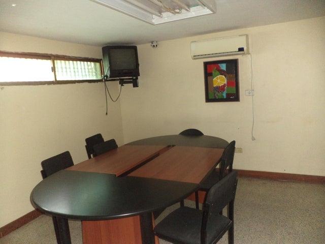 Oficina Zulia>Maracaibo>Calle 72 - Alquiler:2.896.000.000 Precio Referencial - codigo: 18-8705