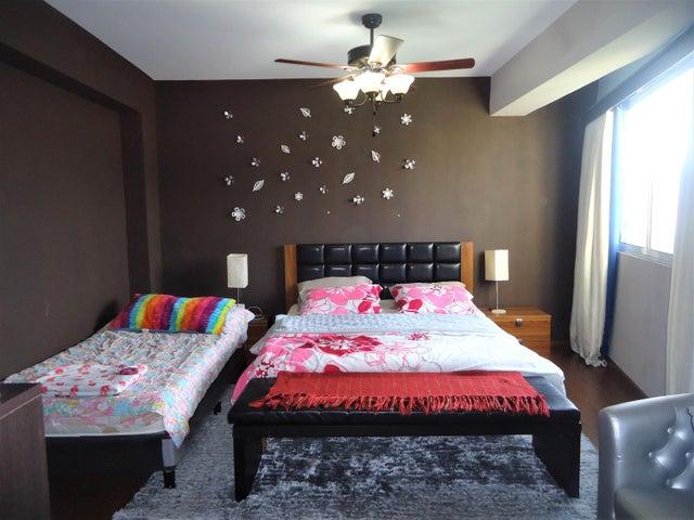 Apartamento Carabobo>Valencia>Las Chimeneas - Venta:264.248.000.000 Precio Referencial - codigo: 18-8707