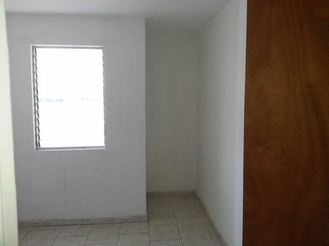 Apartamento Carabobo>Municipio Los Guayos>Paraparal - Venta:489.000 Precio Referencial - codigo: 18-8714